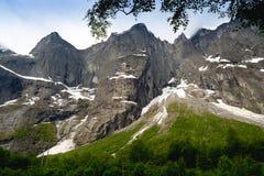 拖钓墙壁是最高的垂直的岩石面孔在欧洲, abou 免版税库存照片