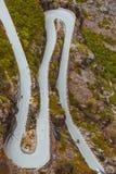 拖钓道路Trollstigen山路在挪威 库存照片