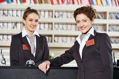 招待会的旅馆工作者 免版税库存照片