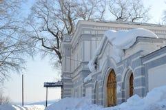 招待所 俄国 Cherdyn 19世纪的大厦 免版税图库摄影
