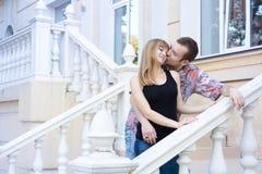 招标亲吻在第一个日期 库存图片