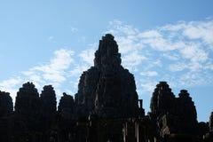 拜伦巨大的古庙在柬埔寨 中世纪寺庙在印度支那 古老文明建筑艺术  Bayon 免版税库存照片