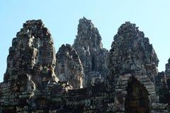 拜伦巨大的古庙在柬埔寨 中世纪寺庙在印度支那 古老文明建筑艺术  Bayon 库存图片