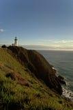 拜伦海湾灯塔在远处 免版税库存图片