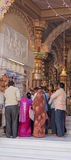 崇拜在一座印度寺庙 库存照片