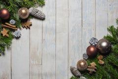 拟订圣诞节问候的概念在木背景 库存照片