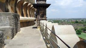 围拢在Bijapur卡纳塔克邦的Golgumbaz 库存照片