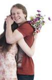 拥抱妇女的人 免版税库存图片