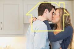 拥抱的和亲吻的夫妇的综合图象 免版税库存图片