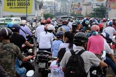 拥挤亚洲城市在高峰时间 免版税库存图片