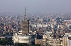 拥挤开罗高看法在埃及在非洲 免版税库存照片