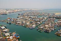 拥挤海滨广场在中国 免版税库存图片