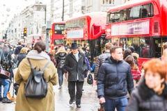拥挤牛津街道在伦敦 免版税库存图片