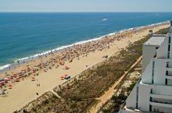 拥挤的海滩 图库摄影