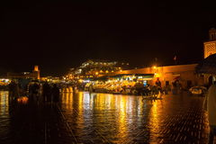 拥挤的著名Jemaa el Fna广场 马拉喀什摩洛哥 库存图片