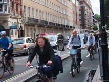 拥挤自行车车道,伦敦 库存照片