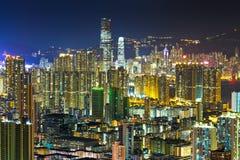 拥挤街市大厦在香港 免版税库存图片