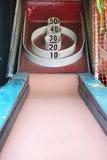 拱廊狂欢节比赛skeeball 图库摄影