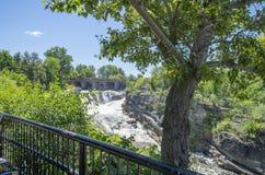 拱起` s后面公园和瀑布13 图库摄影