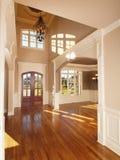拱道入口前面家内部豪华设计 免版税库存照片