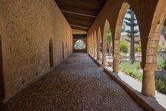 拱道在Ayia Napa修道院里,塞浦路斯 免版税库存图片