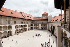 拱廊城堡克拉科夫波兰新生wawel 露台 图库摄影