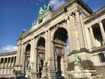 拱廊du五十周年纪念公园在布鲁塞尔 免版税库存图片