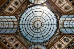 拱廊emanuele圆顶场所ii意大利米兰vittorio 免版税图库摄影