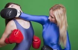 拳击女性 免版税库存图片
