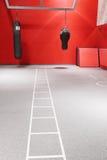 拳击大厅内部在一个现代健身中心 免版税库存图片