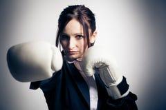 拳击女实业家 库存图片