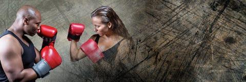 拳击手战斗机男人和妇女有黑暗的难看的东西转折的 库存图片