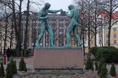 拳击手雕塑在赫尔辛基 免版税库存照片