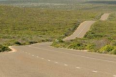 拳击手驱动,在坎加鲁岛,南Austra的有风波浪车行道 库存照片