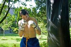 拳击男孩 免版税图库摄影