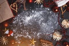 拷贝空间的圣诞节平的位置 免版税库存照片