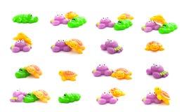 浴拼贴画戏弄在白色背景和乌龟隔绝的螃蟹、鳄鱼 库存照片