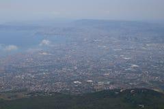 拿坡里看法从维苏威火山的 图库摄影