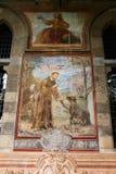拿坡里- Chiostro二圣塔Chiara (圣塔Chiara博物馆复合体) 库存图片
