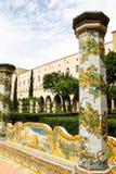 拿坡里- Chiostro二圣塔Chiara (圣塔Chiara博物馆复合体) 库存照片