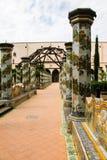 拿坡里- Chiostro二圣塔Chiara (圣塔Chiara博物馆复合体) 免版税库存图片