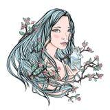 拿着一个瓶化妆用品的美丽的女孩 她的头发的-自然化妆用品的标志开花的佐仓 向量 免版税库存图片