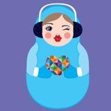 拿着五颜六色的心脏的逗人喜爱的俄国matryoshka玩偶 冬天传染媒介例证 图库摄影