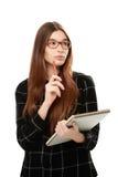 拿着写生簿的少妇 免版税库存图片