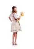 拿着啤酒的传统巴法力亚礼服的妇女 免版税图库摄影