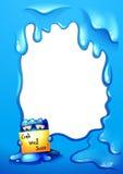 拿着在一块空的模板前面的一个蓝色妖怪标志 免版税库存照片