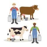 拿着大牛奶容器罐的母牛和农夫 免版税库存照片
