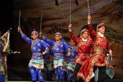 """拿着开始北京Opera""""杨Family†的妇女将军的刀子和枪 免版税图库摄影"""