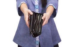 拿着有金钱的妇女一个钱包 图库摄影