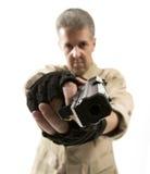 拿着枪的战士 免版税库存图片